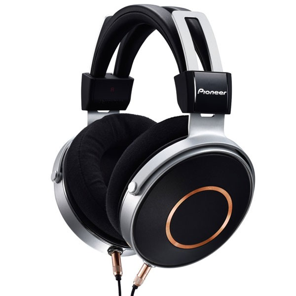 Pioneer Se-Monitor5 Hi-Res Over-Ear Headphones with cord
